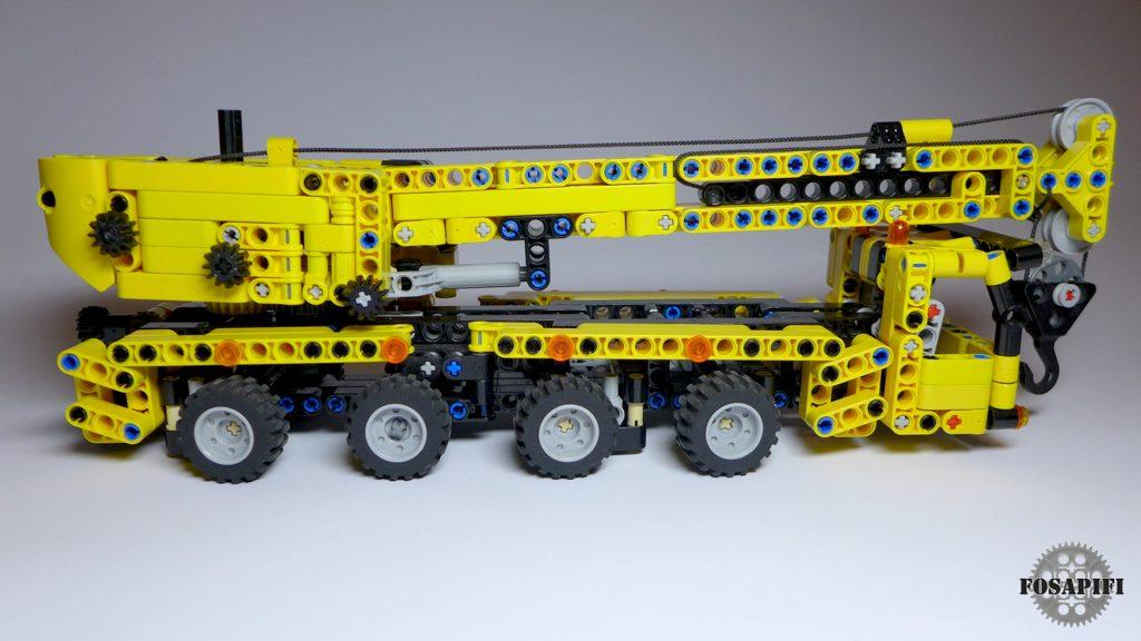 Mini Mobile Crane - LEGO Technic Creations by FOSAPIFI