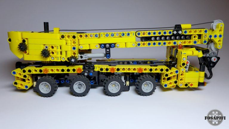 Mini Mobile Crane - LEGO Technic Creations by FOSAPIFI