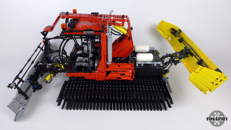 Snow Groomer - LEGO Technic Creations by FOSAPIFI