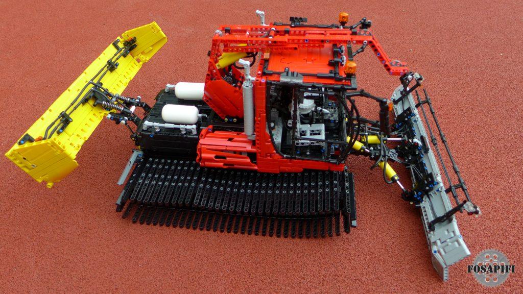 Snow Groomer - LEGO Technic Creations by FOSAPIFI